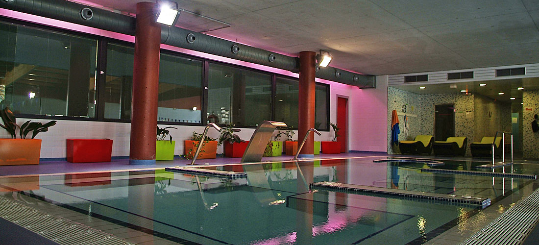 Centro de piscinas + spa + área termal