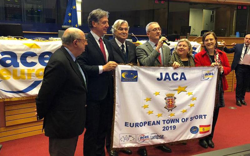 """Jaca recibe en Bruselas el título de """"Villa Europea del Deporte 2019"""""""